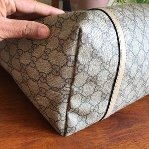Gucci Bags - Gucci Supreme GG Canvas Large Tote 😊🍁